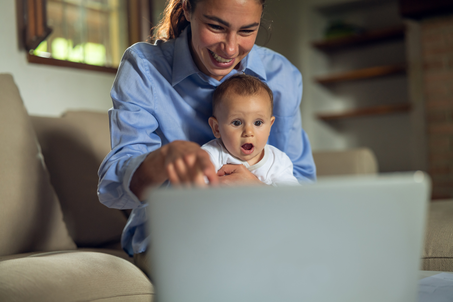 Online Motherhood Support Group Counseling